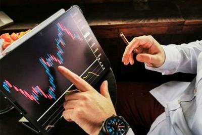 "Forex Hari Ini: 'Taper Talk' Fed Meningkatkan Dolar, BOE ""Super Thursday"" Dalam Fokus"